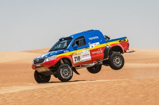 Team Azimut les va bien en las dunas.