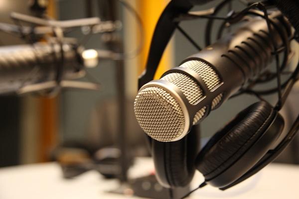 Microfonos-de-radio-1